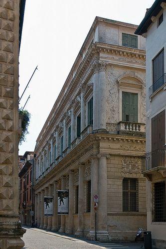 :) Palazzo Barbaran Da Porto - Palladio