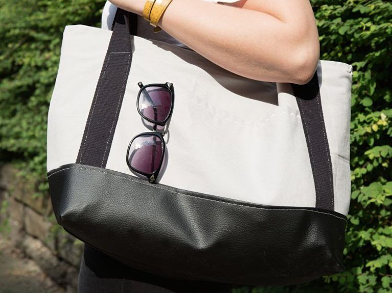 DIY-Anleitung: Große Shopper-Tasche mit Gurtband nähen via DaWanda ...