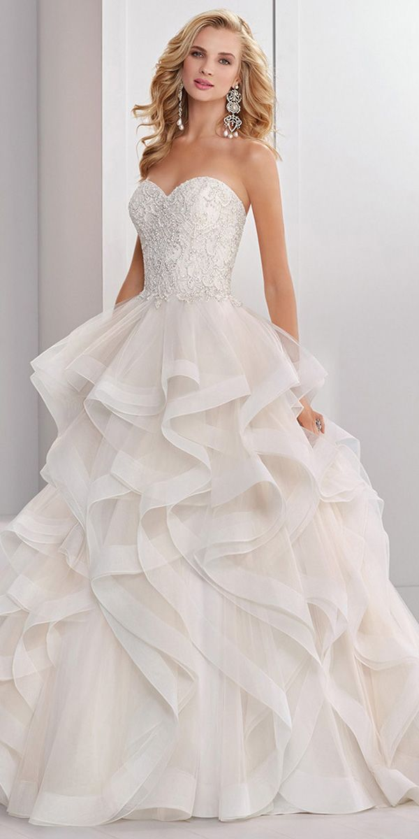 Exquisite Tulle Sweetheart Neckline Natural Waistline Ball Gown ...