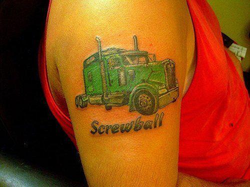 Tatuaż Ciężarówka Na Ramieniu Tattoos Ciężarówki Tatuaż
