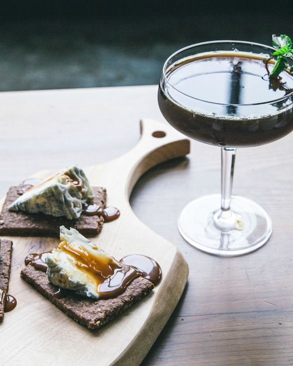 Cheese & Cocktail Pairings.  Rich coffee liqueur and mint in this dark horse cocktail offset the delicate flavor of Bonne Bouche served on a crisp cocoa cake cracker.  #wrinklesaresexy