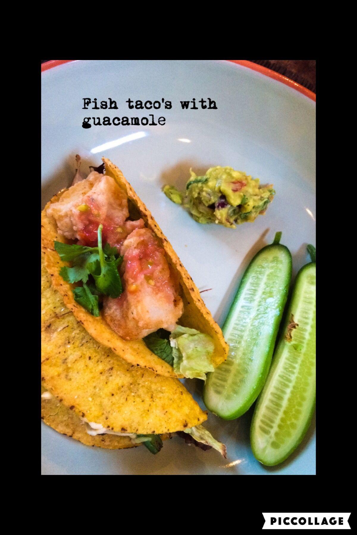 Fish taco's with guacamole and tomato salsa