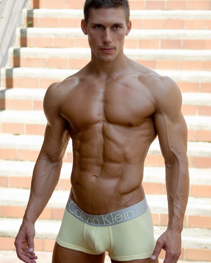 Aesthetic MuscleS - Bodybuilding at its Best: Tyler Sarry