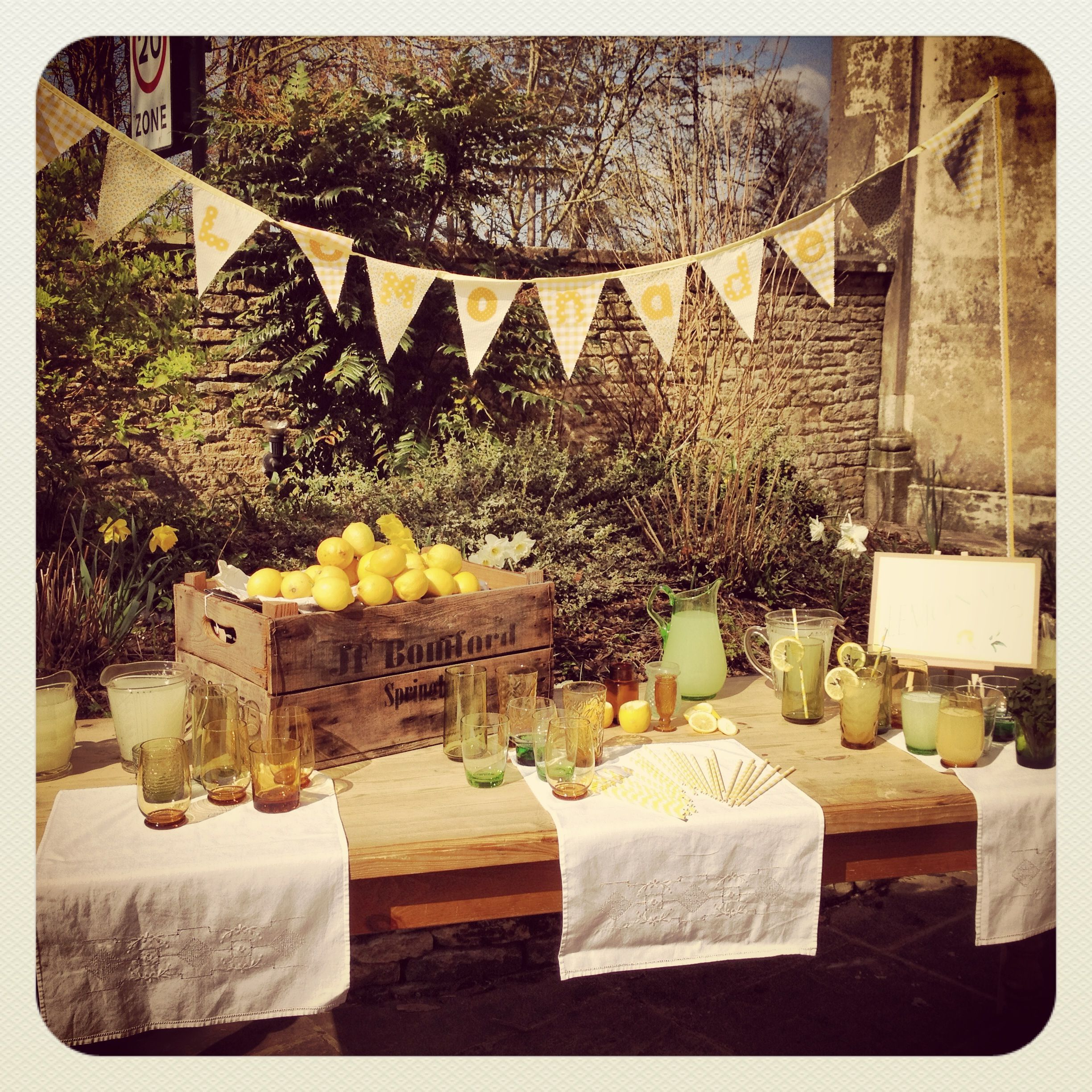 Vintage Retro Lemonade Stand For Hire Http Www Lavenderandlinen Co Uk Vintage Hire Prop Hire With Images Wedding Colors Yellow Wedding Wedding