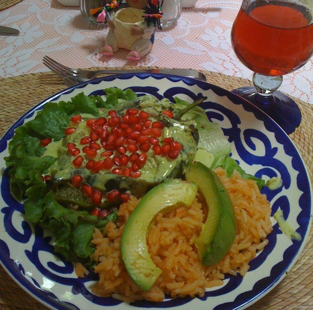 Chiles en Nogada .... by Las Dos Gildas blog