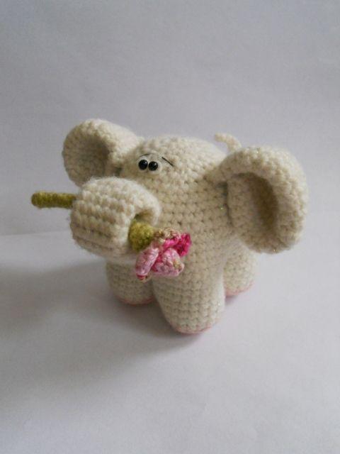 Fehér horgolt elefánt virággal (hbmimi  aa0aa7acaa