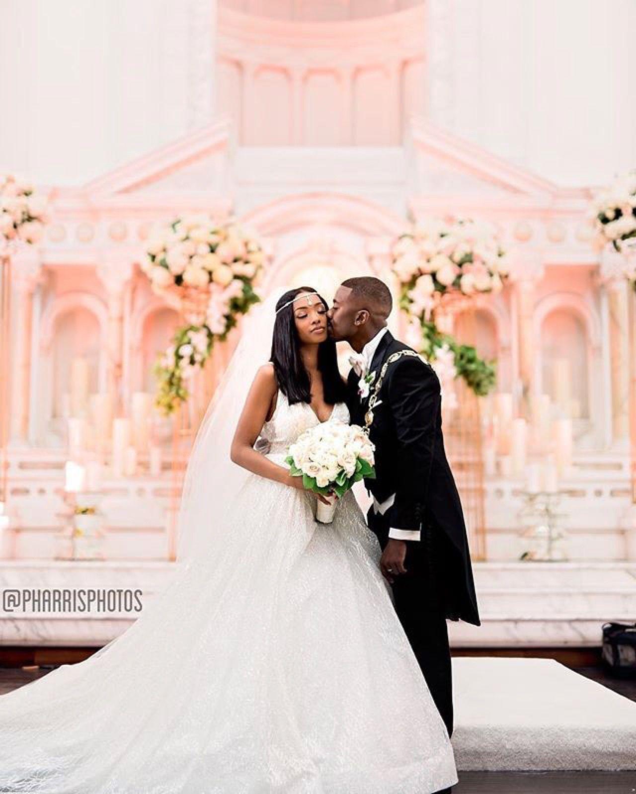 Celebrity Wedding Etiquette: Princess Love In Lazaro Style 3662