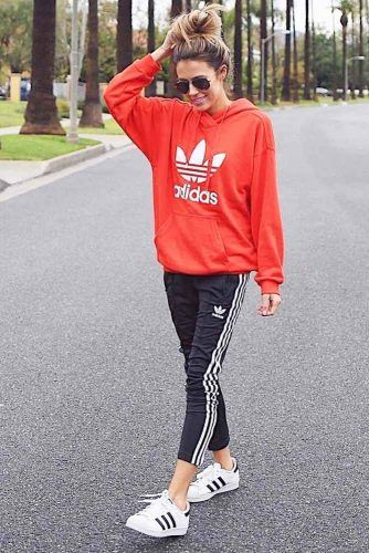 36 Adidas Pants Outfit Ideas Super Combo Of Comfort And Beauty Blue Sweatpants Outfit Pants Outfit Y Adidas Outfit