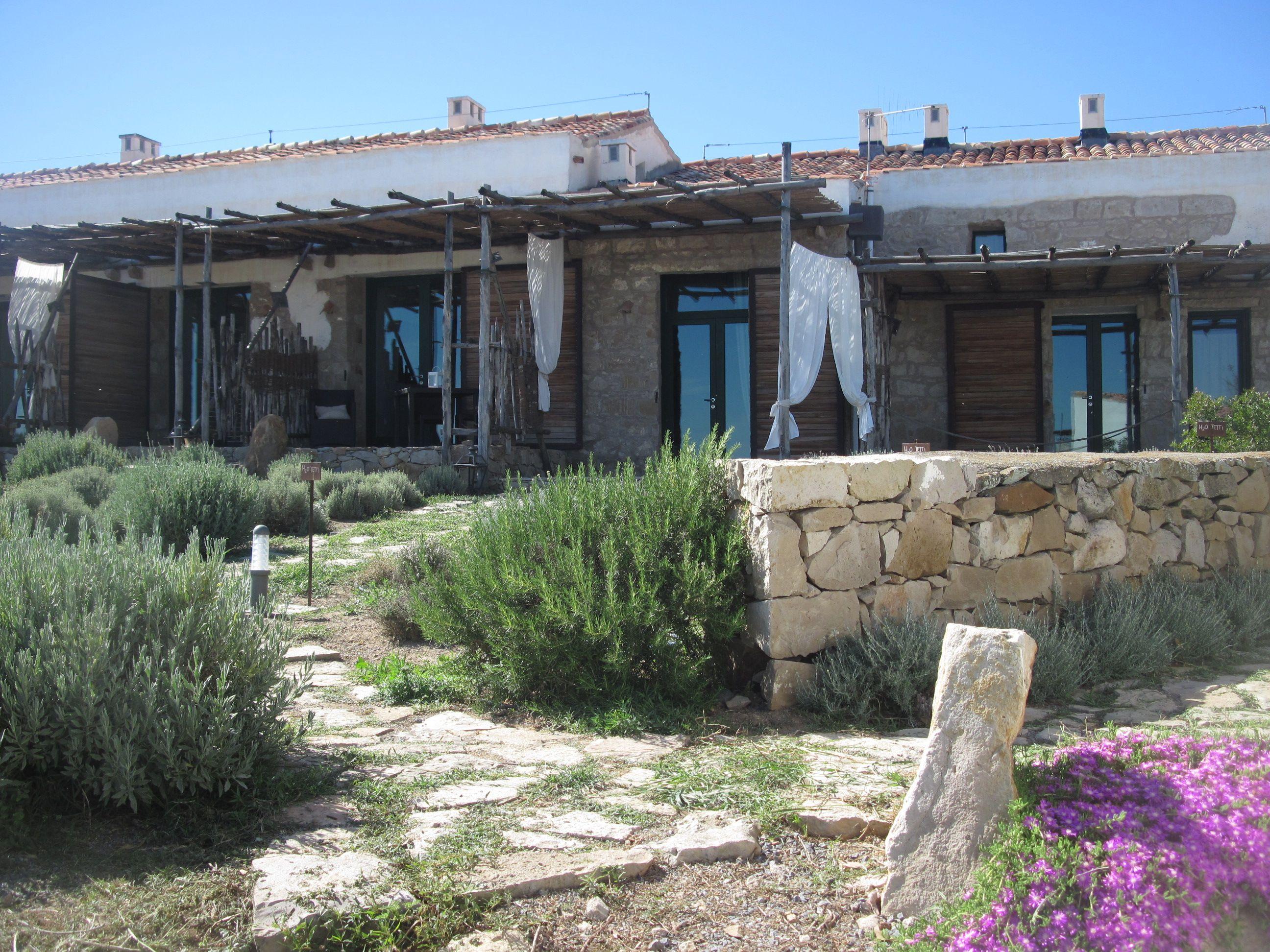 La campagna sul mare..e la vostra casa per le vacanze Countryside on the Sea... your holiday house