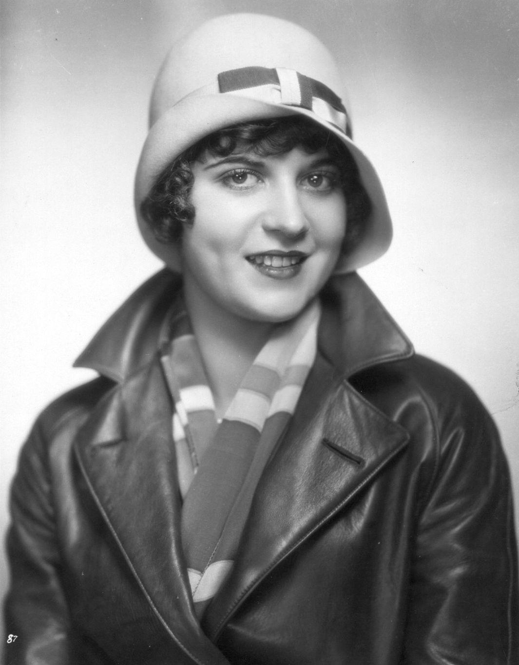 Watch Dorothy Gulliver video