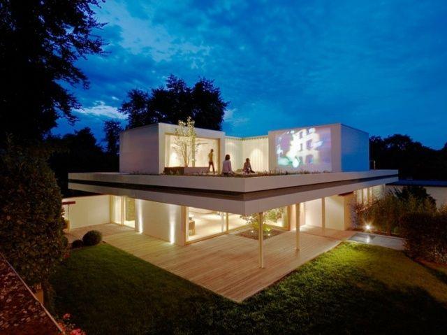 Ansicht ganzes Haus in Wiesbaden Bungalow Haus