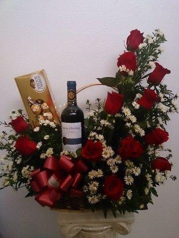 Regalos originales de arreglos florales con chocolates | Arreglos De ...