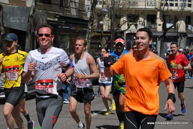 12084 Atletismo Fotografías Edp Rock N Roll Madrid Maratón Popular 2016 Fernando Alcalde Leiva Pedro Morejón Sánchez Pa Atletismo Bernabeu Media Maraton