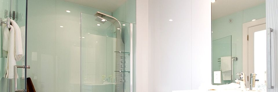 Plexiglass Shower Walls Means No Grout!