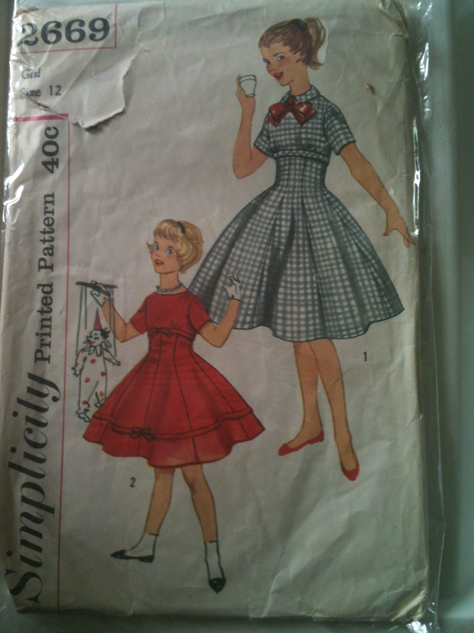 #Simplicity2669. Girls' dress, size 12. Looks to be from the 1950's.