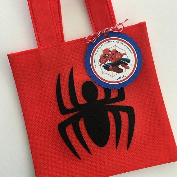 4fc3d40df Estos tratan bolsas son un complemento perfecto para tu fiesta temática de  Spiderman. Es la manera perfecta de decir Gracias, para celebrar el día  grande de ...