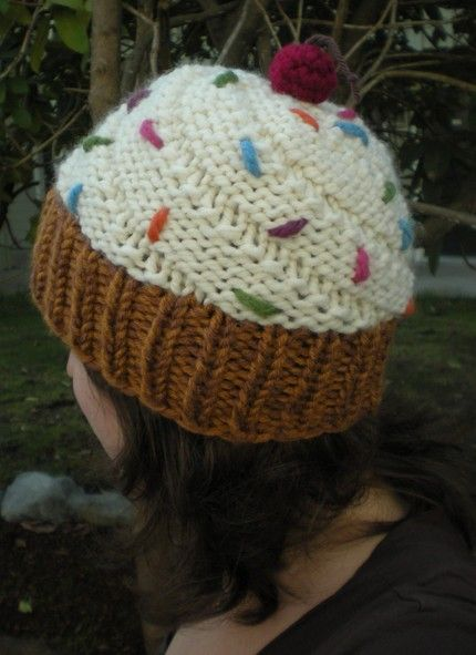 Knitted Cupcake Hat Pattern Free : Cupcake hat! Awesome! Cuppycakes! Pinterest Knit crochet, Craft and Cro...