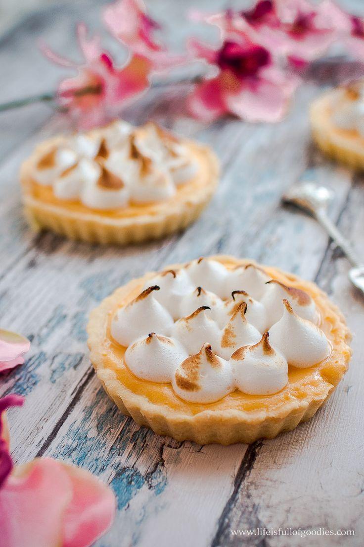 Zitronen Tartelettes mit Baiser und unser Foto Workshop - Life Is Full Of Goodies #lemonmeringuecheesecake