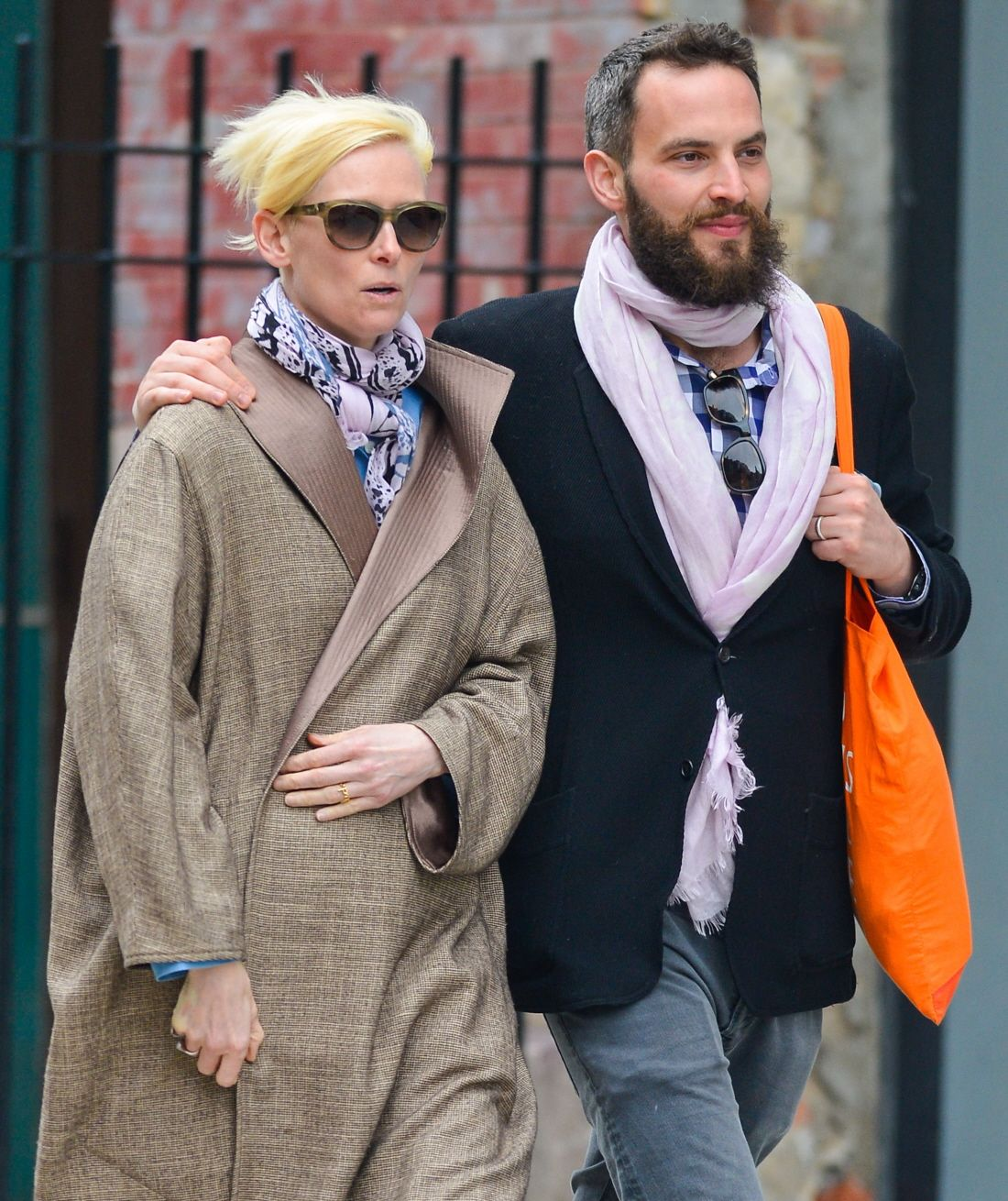 Tilda And Her Boyfriend Of Several Years Sandro Kopp Out And About In Nyc Tilda Swinton Sandro How To Look Better