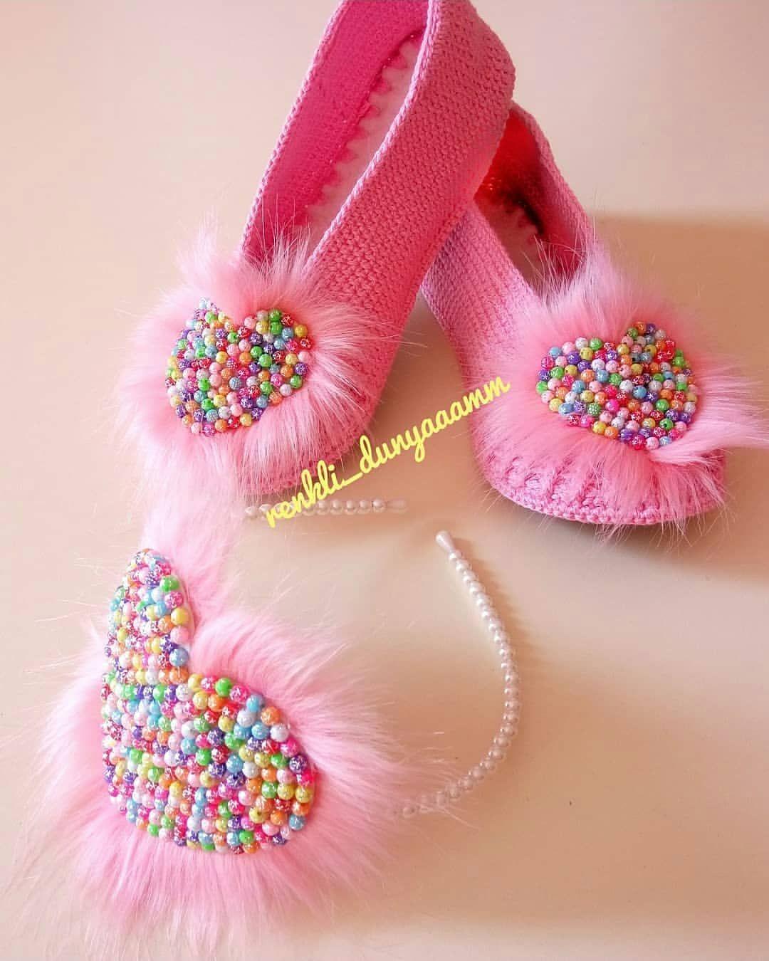 ???? ???? Yaa ben bunlara bayıldım ???? ???? çok tatlı olmuşlar ???? @renkli_dunyaaamm ???????????????? . . . . . . #bebekyelegi#baby #amigurumis #excerpts… #crochetbabyboots