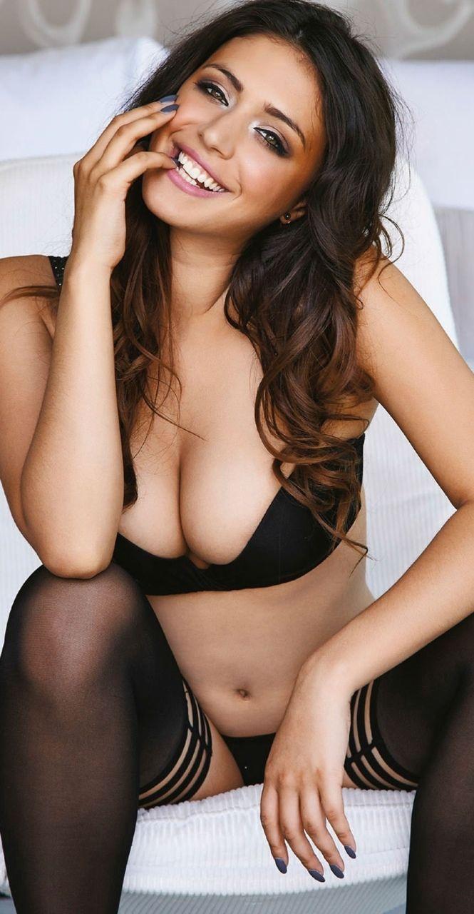 Claudia Dean