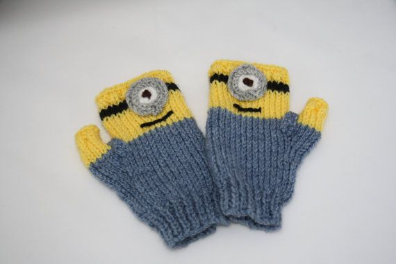 Minion style knitted mittens Minion mitts knitted mittens mitaines christmas ...