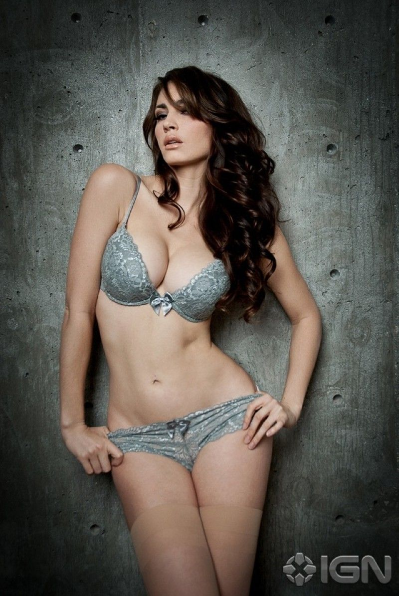 Tanit Phoenix Sexy