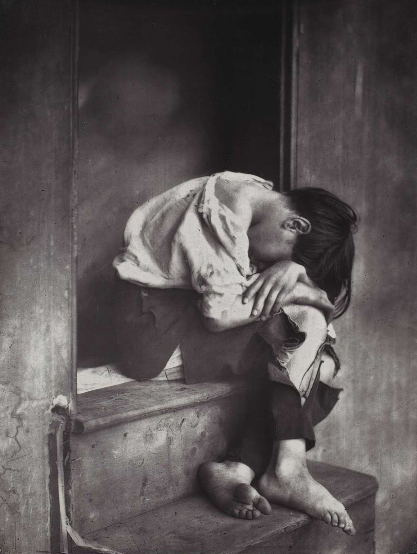 Photographer: Oscar Rejlander Date: 1860_  Imitavam as pinturas da epoca, genero sentimental ampliando varios negativos e diversas exposicoes para dar atmosfera de pintura.