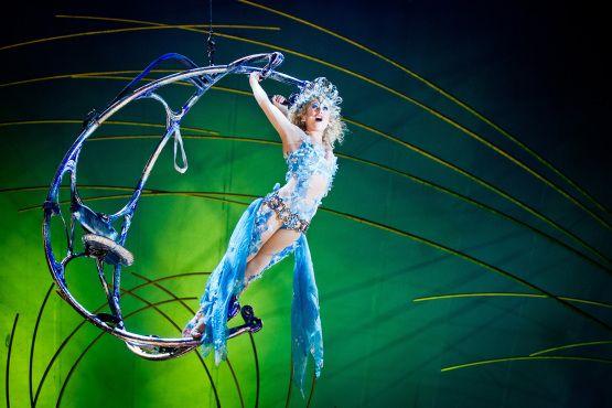 Cirque Du Soleil Amaluna Theater In New York Kids Cirque Du Soleil Cirque Dance Photos