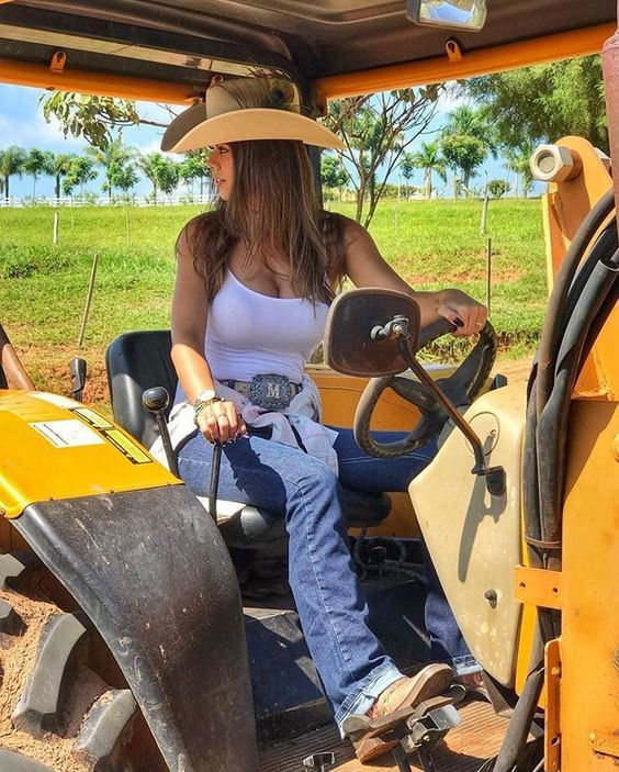 Pin By Buddyb On Country Comfort Hot Country Girls