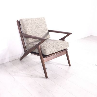 Oatmeal Mod Chair. - Reproduction Selig Z chair in soft beige upholstery - Good condition overall