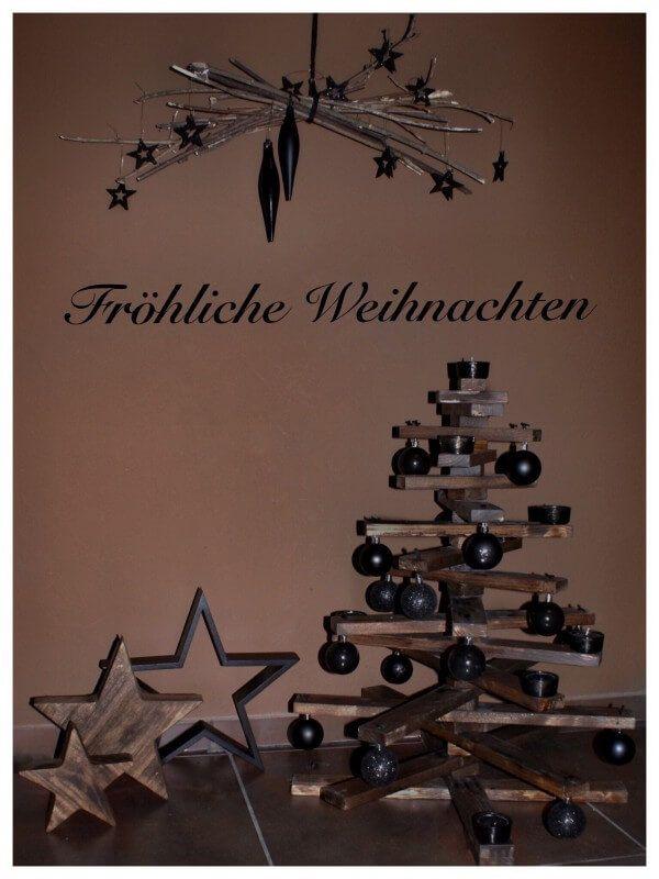 Alternativer Weihnachtsbaum aus Holzleisten
