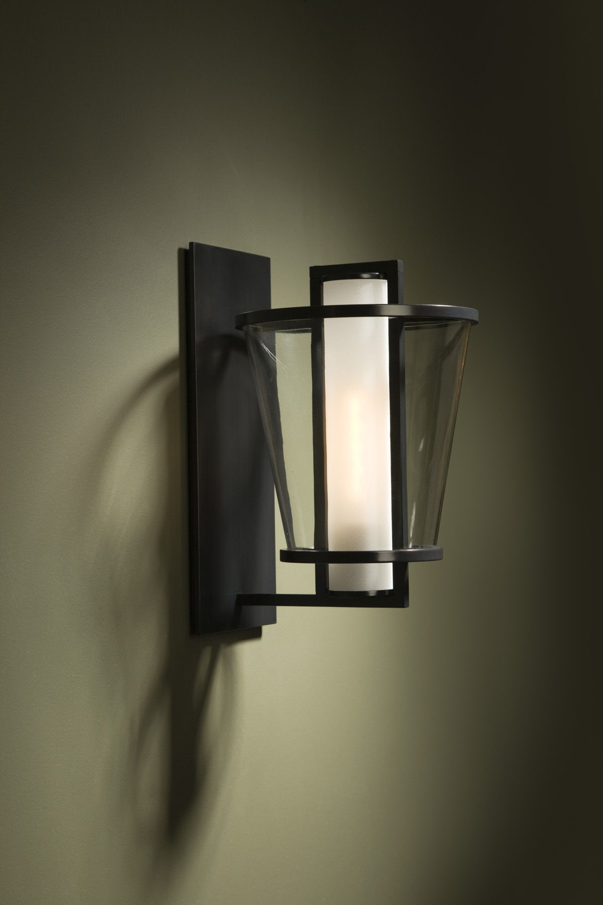 Eclairage Exterieur Kelvin Kevin Reilly 39s Klos Sconce Kevin Reilly Lighting For