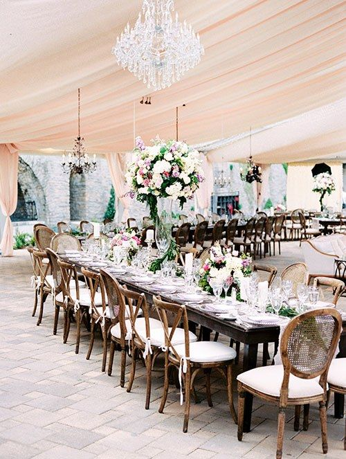 Flower-loving brides, take note! This reception is about to blow you away.
