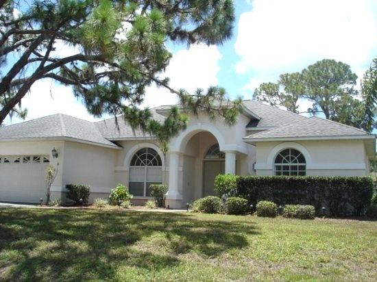 $120/night - Colonial - spacious pool home mins to the beach