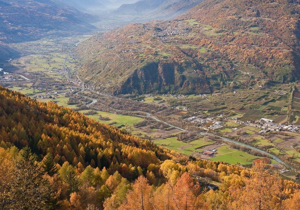 La Vallata Di Teglio Valtellina Italia E Natura