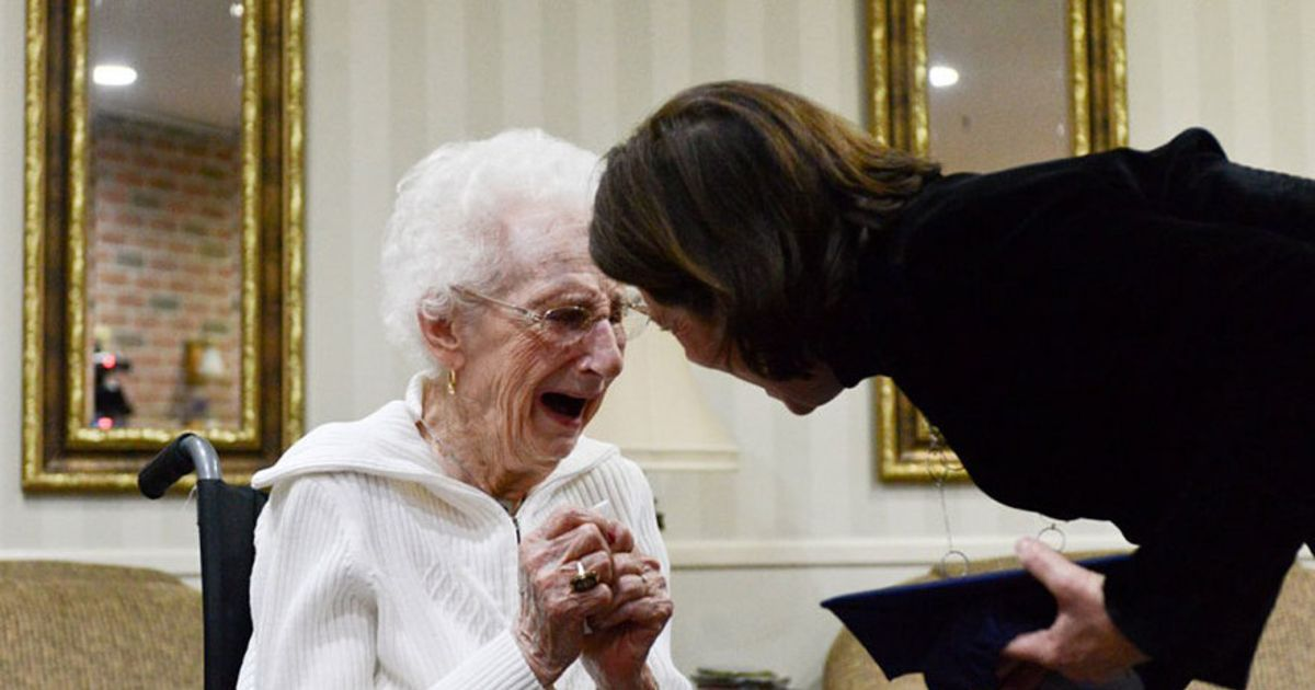 97yearold bursts into tears of absolute joy when she