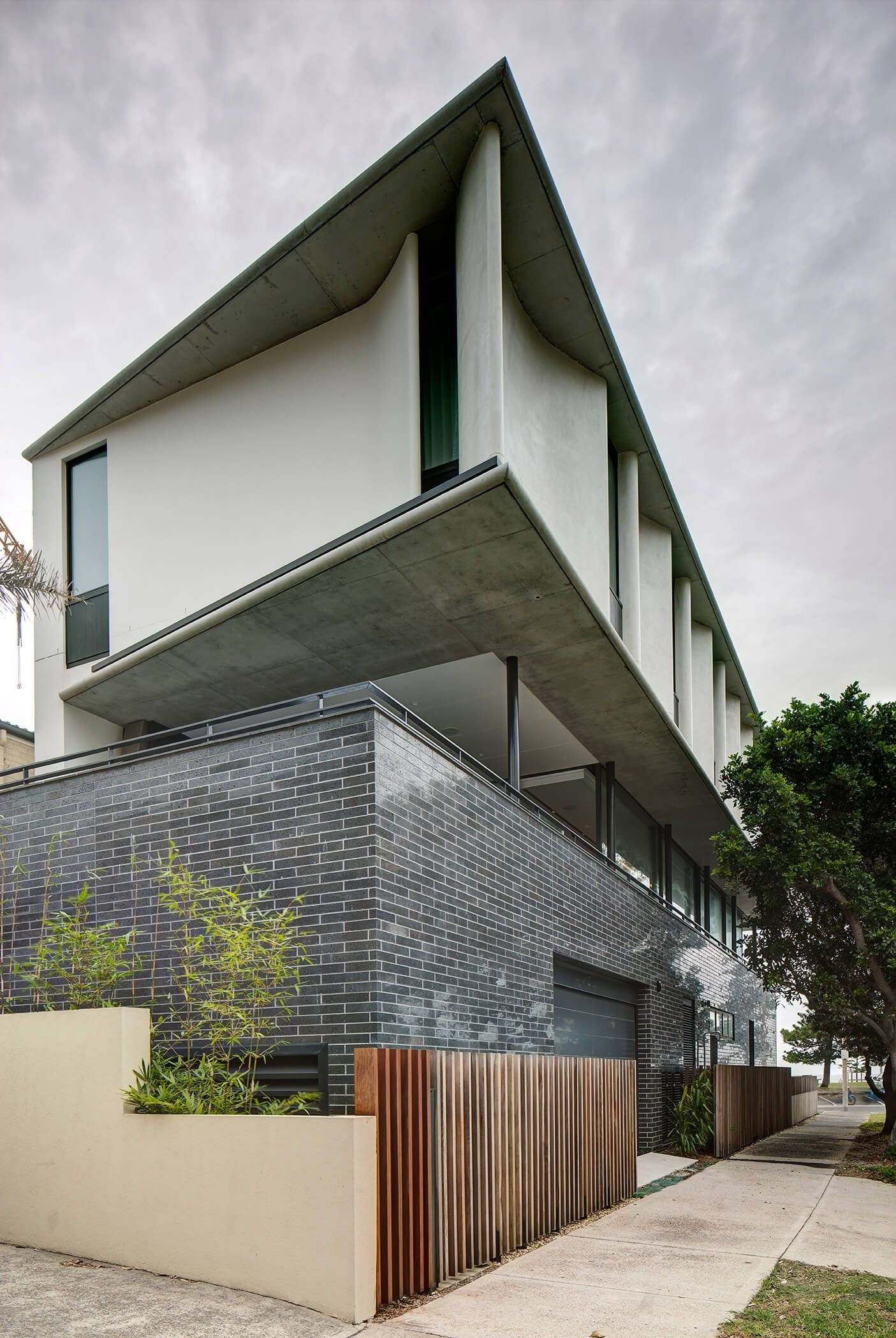 The Manly II Residence Is Located Just Metres From The Iconic Manly Beach  In Sydney. Sydney Builder Horizon Worked With Architects PopovBass To Build  This ... Amazing Design