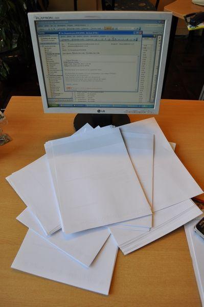 oficina, escritorio, fotografia, imagen color, vertical, papeles ...