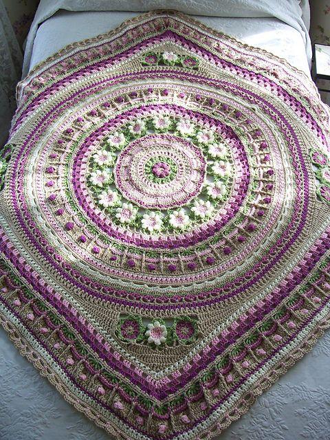 Mandala CAL 2016 pattern by Annamarie Esterhuizen #crochetmandalapattern