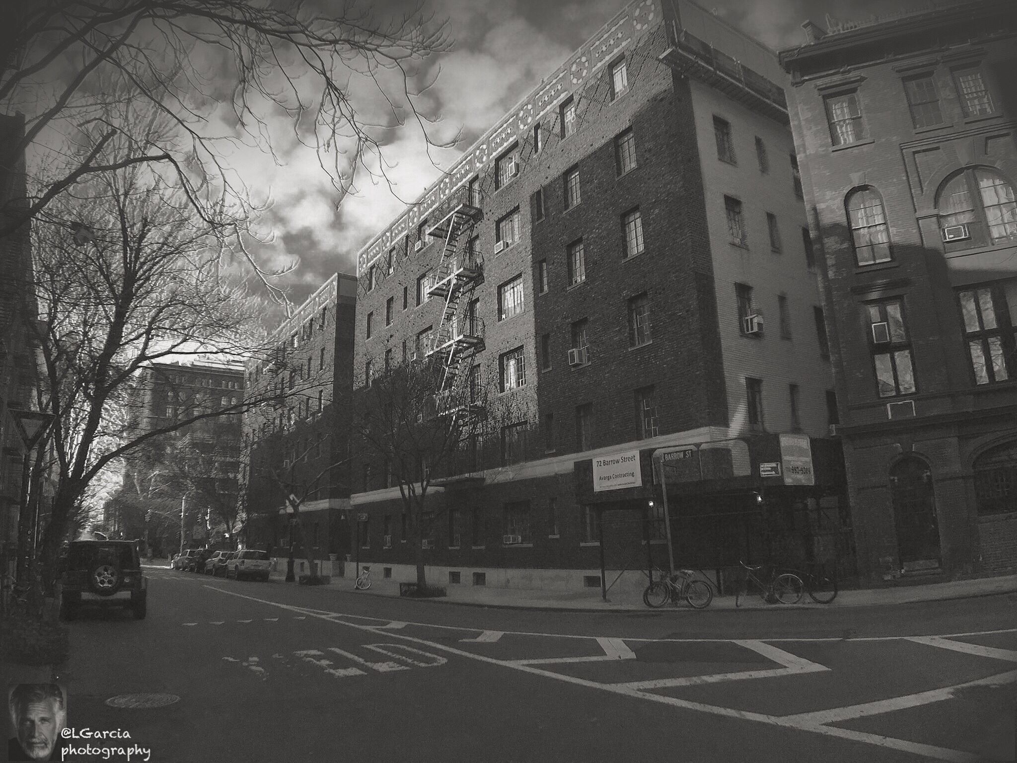 Down the street....... . . . . . . . . #lgarciaphotography #iphone6plus #iphoneBNW #iphone #building #nyc #nycinstagram #nycphotography #newyork #newyorkcity #newyork_instagram #monochrome #nypix #blackandwhite #blackandwhitephotography #architecture #architecturephoto #bridge #dark #street #streetphoto #streetphoto_bw #streetphotography #noir #shadow #urban #city #bnw #bnw_life #bnw_life
