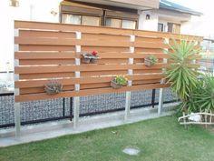 目隠しフェンスをdiyで作ろう 簡単な作り方や施工実例など 庭