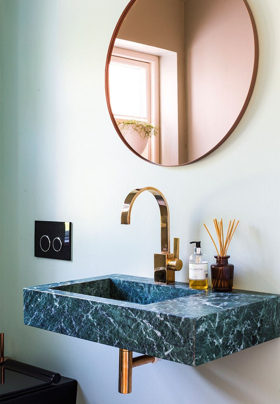 Elegant Bathroom Details A Stunning Green Marble Sink With Luminaire And Mirror In Brass Green Marble Bathroom Elegant Bathroom Gorgeous Bathroom