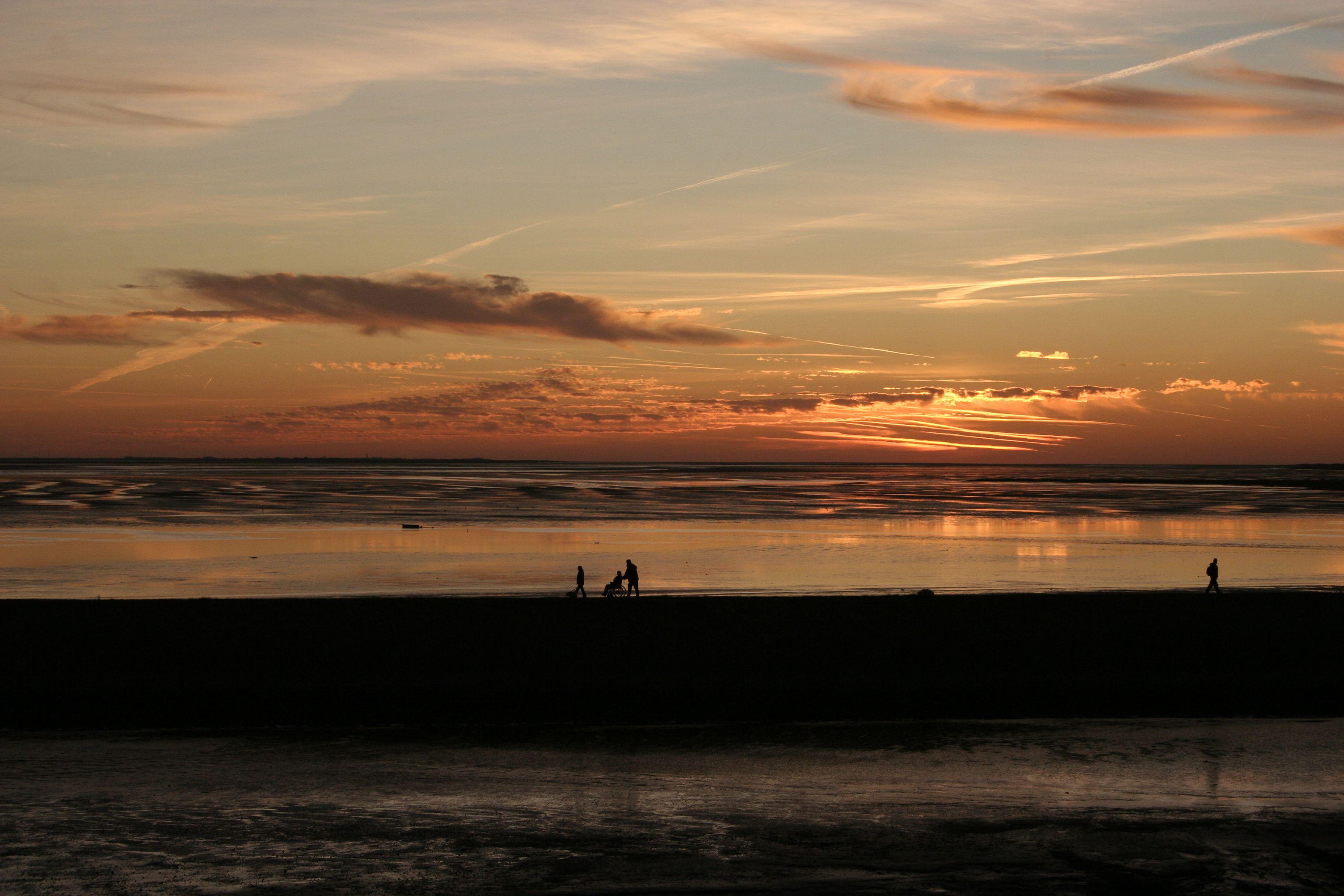 Sonnenuntergang im wattenmeer auf der ostfriesischen insel for Urlaub auf der insel juist