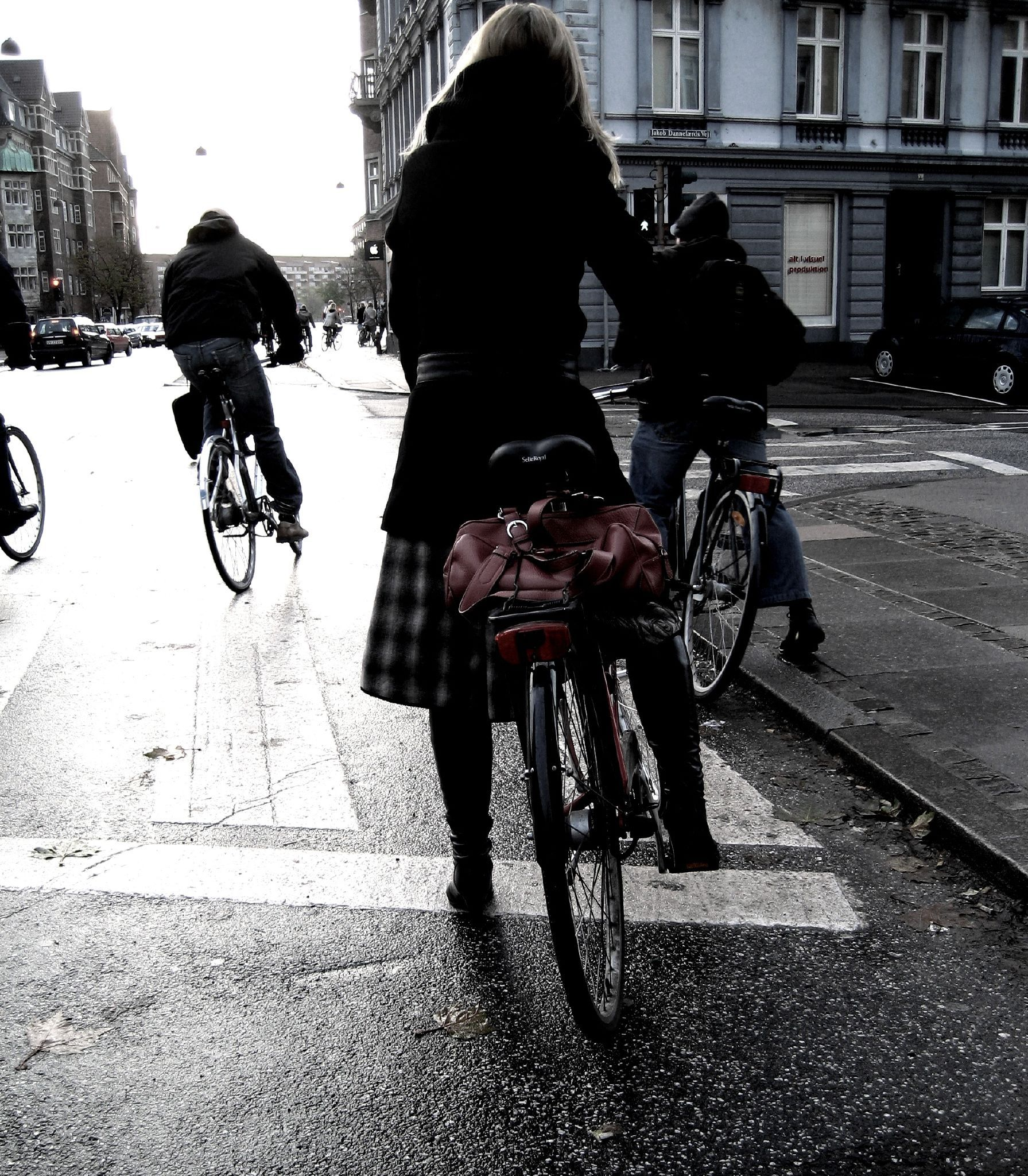 How it started in 2006 ... http://www.copenhagencyclechic.com/