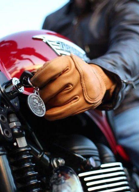 Triumph DeerTours Tan Leather Gloves