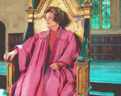 Http Images6 Fanpop Com Image Photos 32500000 Dolores Dolores Umbridge 32571208 500 394 Jpg Dolores Umbridge Delores Umbridge Harry Potter Movies