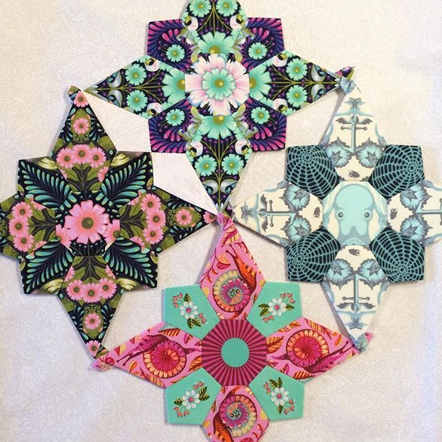 Mischief English Paper Piecing Quilt Pattern - TheDIYAddict ...