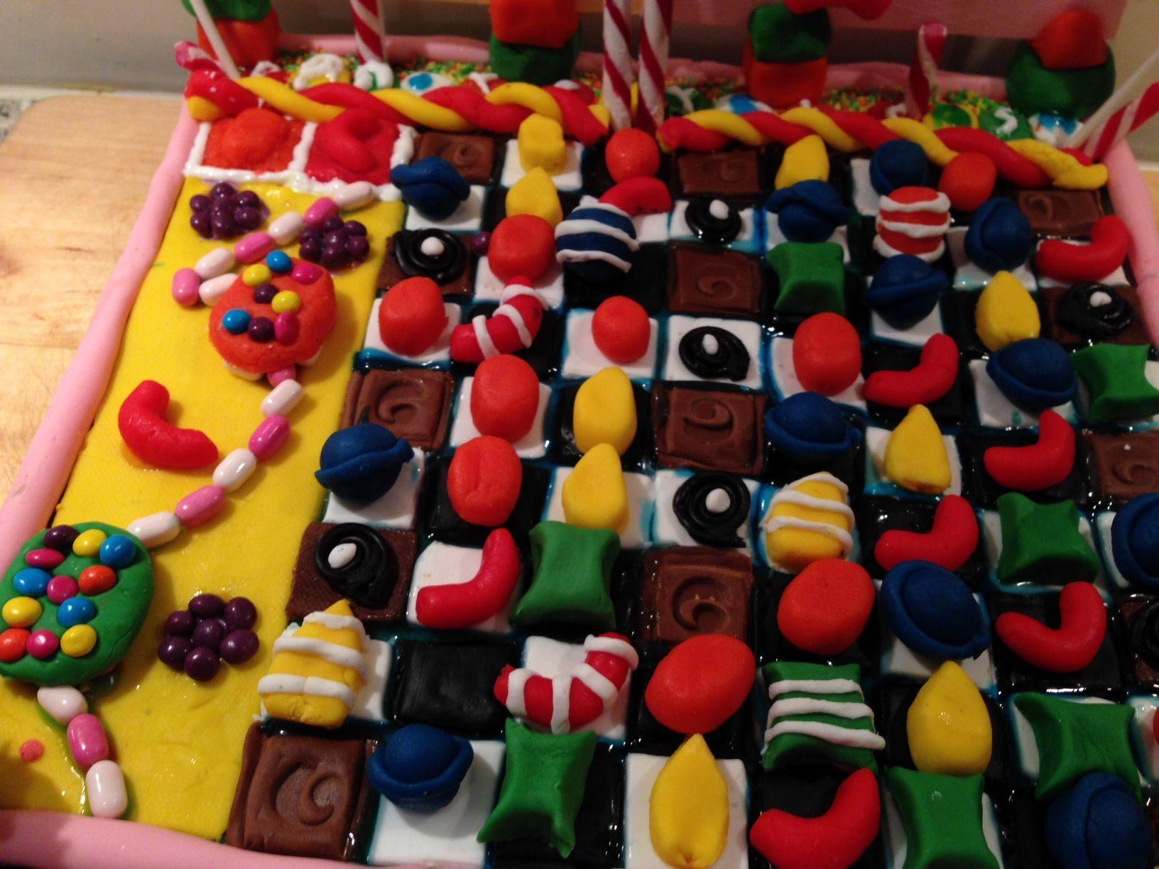 Candy Crush Saga taart...gemaakt samen met mijn kleindochter van 12.