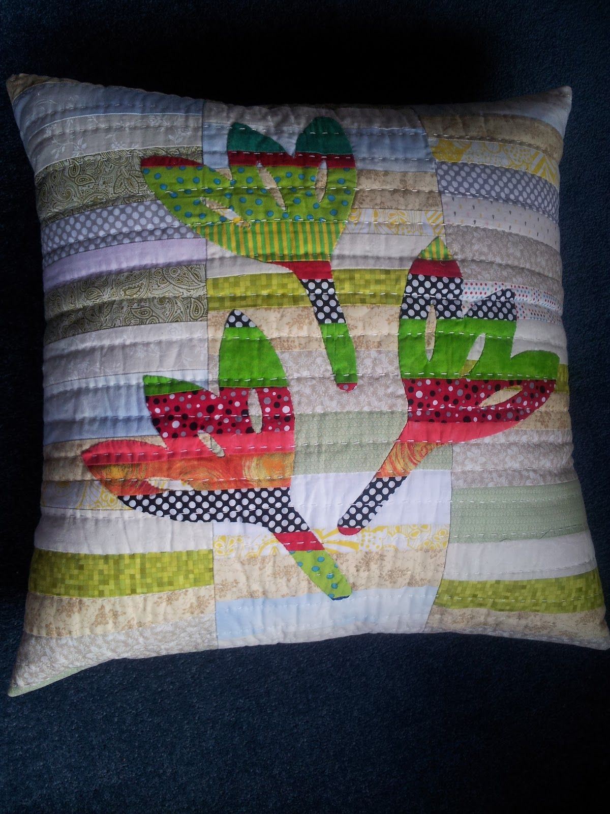 Made with my two hands: Scrap, applique cushion